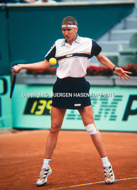Steffi Graf (GER), Roland Garros, French Open 1997<br /> <br /> Tennis - French Open 1997 - Grand Slam ATP / WTA -  Roland Garros - Paris -  - France  - 7 December 2016.