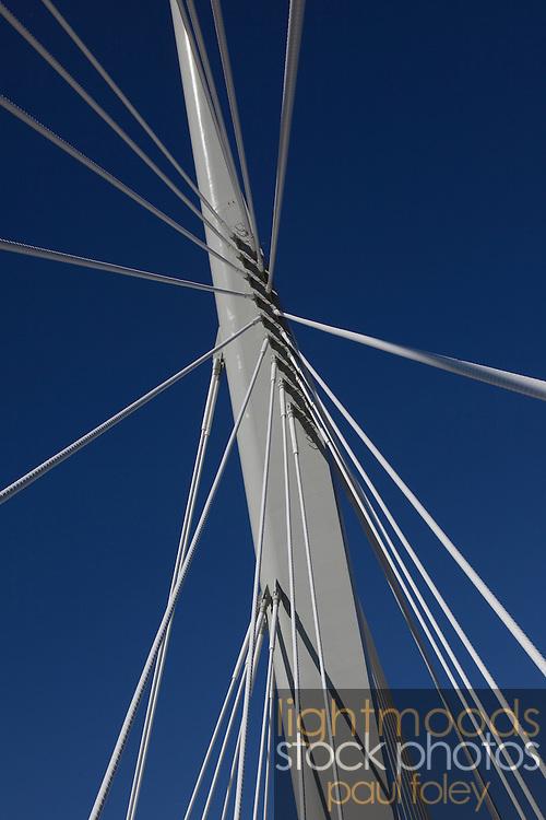 Saint-Boniface/Broadway Bridge, Winnipeg, Canada.