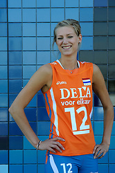 02-06-2010 VOLLEYBAL: NEDERLANDS VROUWEN VOLLEYBAL TEAM: ALMERE<br /> Reportage Nederlands volleybalteam vrouwen / Manon Flier<br /> ©2010-WWW.FOTOHOOGENDOORN.NL
