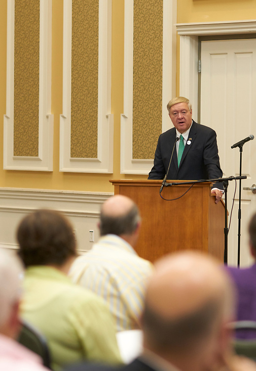 President Nellis addresses faculty at his first Breakfast for Progress.