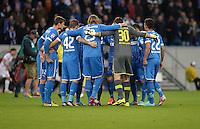 Fussball 1. Bundesliga 2012/2013: Relegation  Bundesliga / 2. Liga  TSG 1899 Hoffenheim  - 1. FC Kaiserslautern          23.05.2013 Hoffenheimer Spieler bilden einen Spielerkreis