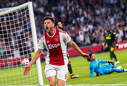 14-08-2018 NED: Champions League AFC Ajax - Standard de Liege, Amsterdam<br /> Third Qualifying Round,  3-0 victory Ajax during the UEFA Champions League match between Ajax v Standard Luik at the Johan Cruijff Arena / Klaas Jan Huntelaar #9 of Ajax celebrates his first goal 1-0