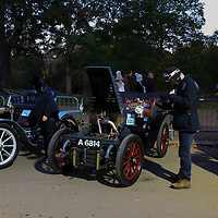 De Dion Bouton  Rear-entrance tonneau   1902    Driven By   Dr Michael Edwards, Bonhams London to Brigthon Veteran Car Run Supported by Hiscox,, 06/11/2016,