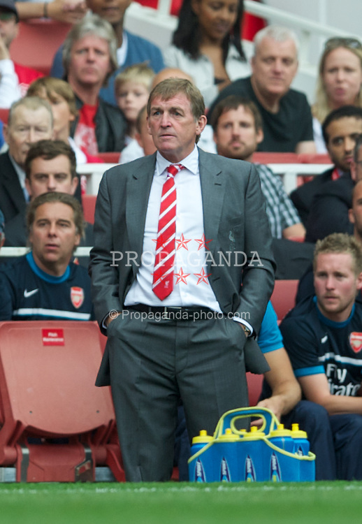LONDON, ENGLAND - Saturday, August 20, 2011: Liverpool's manager Kenny Dalglish against Arsenal during the Premiership match at the Emirates Stadium. (Pic by David Rawcliffe/Propaganda)