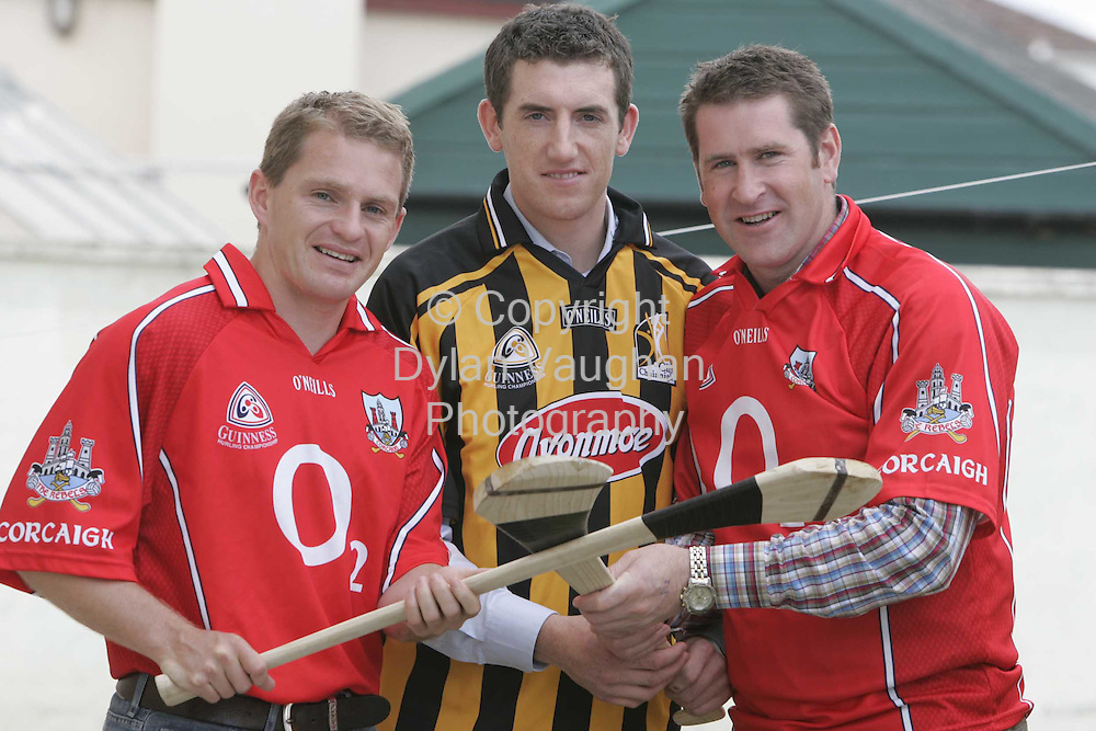 24/8/2006.Cork senior hurlers Joe Deane (left) and Mark Landers (right) pictured with Kilkenny senior hurler  Derek Lyng at the opening of the new Freshco shop on the Dublin Road in Kilkenny yesterday..Picture Dylan Vaughan