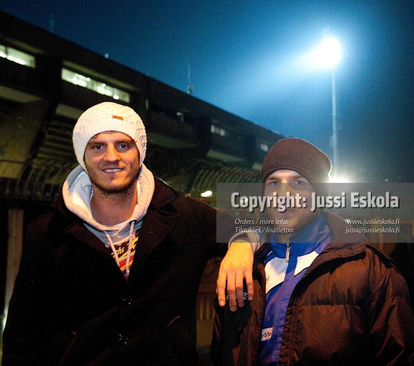 Mehmet Hetemaj (vas) ja Perparim Hetemaj ottelun jälkeen. Brescia - Sampdoria. Serie A. Brescia 12.12.2010. Photo: Jussi Eskola