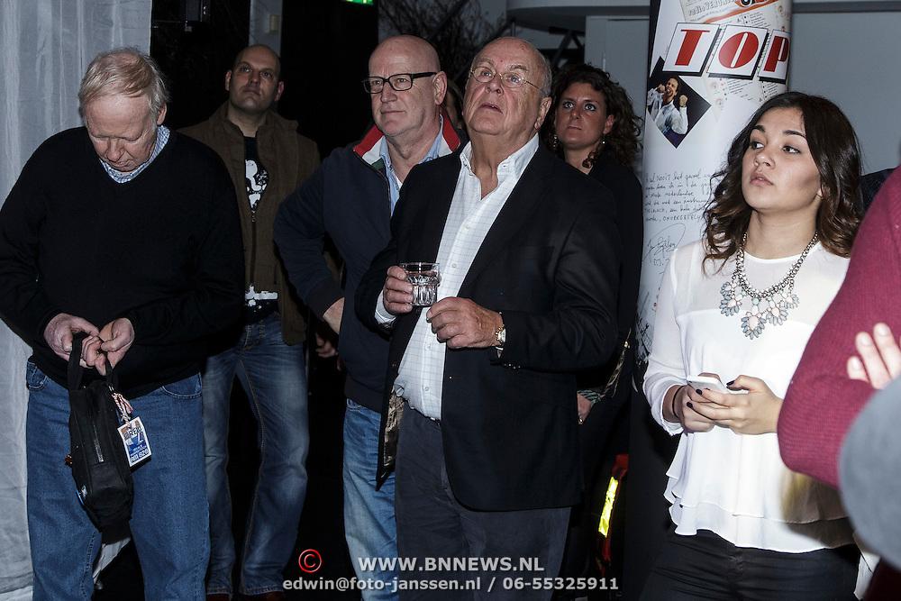 NLD/Hilversum/20150102 - Top40 viert 50 jarig bestaan, Willem van Kooten naast Edu van Hasselt
