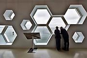 Nederland, Kornwerderzand, 4-6-2018Aan het begin van de Afsluitdijk staat het pas geopende Waddencenter, wadden center . Een centrum waar de aanleg, gevolgen voor het milieu en geschiedenis van de afsluitdijk en zuiderzee, ijsselmeer worden uitgelegd .Foto: Flip Franssen