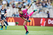 SYDNEY, AUSTRALIA - NOVEMBER 17: Sydney FC goalkeeper Aubrey Bledsoe throws the ball during the round 1 W-League soccer match between Sydney FC Women and Melbourne Victory Women on November 17, 2019 at Netstrata Jubilee Stadium in Sydney, Australia. (Photo by Speed Media/Icon Sportswire)