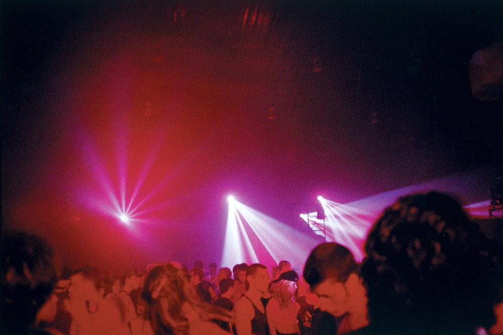 Rave Megabyte à l'aréna McConnell de l'Université McGill le 14 juin 1997.