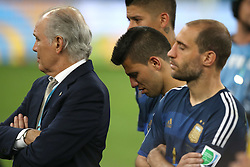 13.07.2014, Maracana, Rio de Janeiro, BRA, FIFA WM, Deutschland vs Argentinien, Finale, im Bild Argentineans Sergio Aguero (c ), Zabaleta (r ) and coach Sabella (l) after the final // during Final match between Germany and Argentina of the FIFA Worldcup Brazil 2014 at the Maracana in Rio de Janeiro, Brazil on 2014/07/13. EXPA Pictures © 2014, PhotoCredit: EXPA/ Eibner-Pressefoto/ Cezaro<br /> <br /> *****ATTENTION - OUT of GER*****