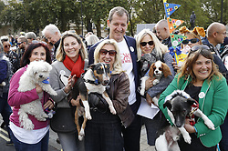 """© Licensed to London News Pictures. 07/10/2018. London, UK. Alastair Campbell joins the Pro-remain dog owners march to Parliament to demand a """"People's Vote"""" on the final Brexit agreement. Photo credit: Peter Macdiarmid/LNP"""