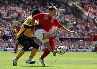 Photo: Paul Thomas.<br /> England v Jamaica. International Friendly. 03/06/2006.<br /> <br /> Michael Owen (R) of England put under pressure by Damion Stewart.