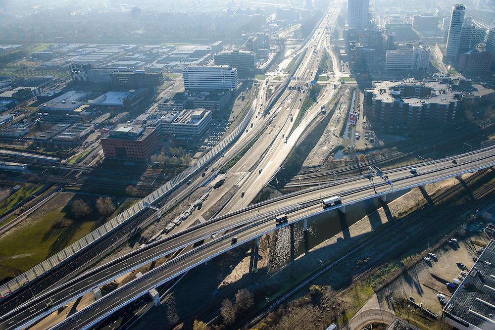 Nederland, Noord-Holland, Amsterdam, 11-12-2013; Amsterdam Sloterdijk, kruising A10 West (Einsteinweg) met A5, naar rechts (Westrandweg). Tegenlichtopname.<br /> Junction of new ringroad Amsterdam. Backlight.<br /> luchtfoto (toeslag op standard tarieven);<br /> aerial photo (additional fee required);<br /> copyright foto/photo Siebe Swart
