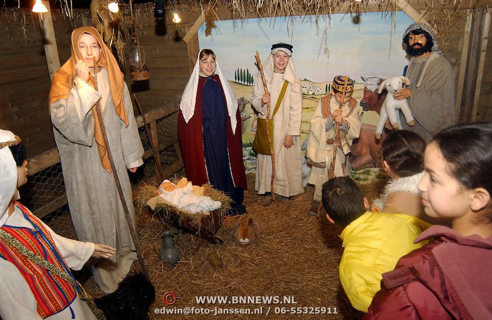 NLD/Huizen/20051217 - Levende kerststal Kombuis Huizen
