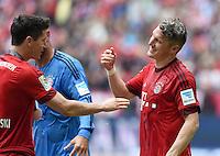 FUSSBALL   1. BUNDESLIGA   SAISON 2014/2015  34. SPIELTAG FC Bayern Muenchen - 1. FSV Mainz 05             23.05.2014 Der FC Bayern feiert seine 25. Deutsche Meisterschaft: Robert Lewandowski (li) und Bastian Schweinsteiger freuen sich nach dem Abpfiff