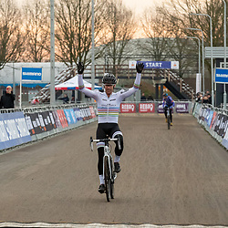 11-01-2020: Wielrennen: NK Veldrijden: Rucphen <br />Erik Dekker pakt de titel bij de masters 50plus