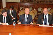 DESCRIZIONE : Roma Palazzo Chigi Commissione FIBA in visita per assegnazione dei Mondiali 2014<br /> GIOCATORE : Gianni Alemanno Gianni Letta  Rocco Crimi<br /> SQUADRA : Fiba Fip<br /> EVENTO : Visita per assegnazione dei Mondiali 2014<br /> GARA :<br /> DATA : 03/04/2009<br /> CATEGORIA : Ritratto<br /> SPORT : Pallacanestro<br /> AUTORE : Agenzia Ciamillo-Castoria/G.Ciamillo<br /> Galleria : Italia 2014<br /> Fotonotizia : Roma visita per assegnazione dei Mondiali 2014<br /> Predefinita :