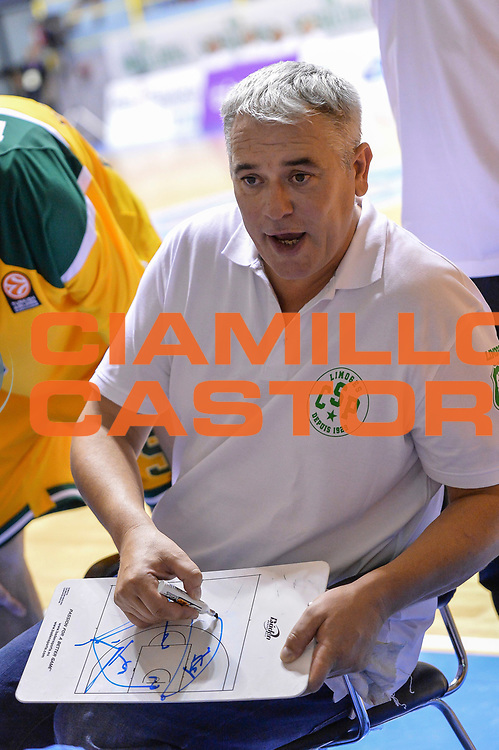 DESCRIZIONE : 5&deg; International Tournament City of Cagliari Dinamo Banco di Sardegna Sassari - Limoges CSP<br /> GIOCATORE : Philippe Herve<br /> CATEGORIA : Allenatore Coach Time Out<br /> SQUADRA : Limoges CSP<br /> EVENTO : 5&deg; International Tournament City of Cagliari<br /> GARA : Dinamo Banco di Sardegna Sassari - Limoges CSP Torneo Citt&agrave; di Cagliari<br /> DATA : 18/09/2015<br /> SPORT : Pallacanestro <br /> AUTORE : Agenzia Ciamillo-Castoria/L.Canu
