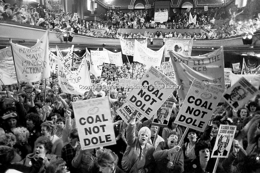 1st national women's rally in support of striking miners, Barnsley Civic Hall. 12 May 1984