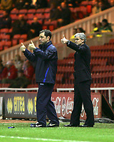 Photo: Andrew Unwin.<br /> Middlesbrough v Blackburn Rovers. Carling Cup. 21/12/2005.<br /> Blackburn's manager, Mark Hughes (R), gives his team the thumbs-up.