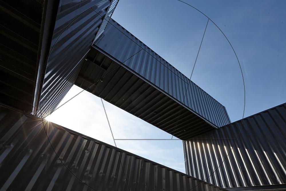 Containerbyen, Nordhavn, genbrugsbyggeri af gamle containere, nybyggeri af kontorlokaler Container Hus