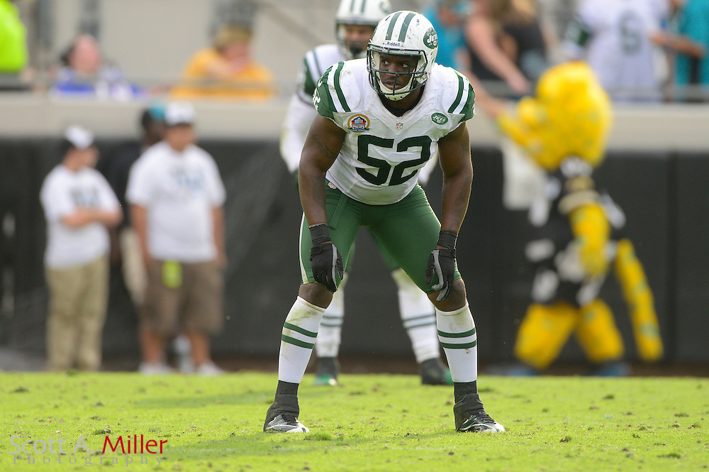 New York Jets inside linebacker David Harris (52) during an NFL game against the Jacksonville Jaguars at EverBank Field on Dec 9, 2012 in Jacksonville, Florida. The Jets won 17-10...©2012 Scott A. Miller..