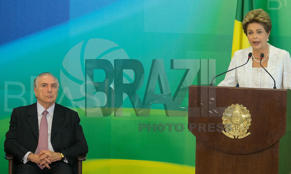 BRASILIA, DF, 02.10.2015 - DILMA-REFORMA -  A presidente Dilma Rousseff, durante declara&ccedil;&atilde;o sobre a  reforma administrativa do<br /> Governo Federal, nesta sexta-feira, no <br /> Pal&aacute;cio do Planalto. A esquerda, o vice-presidente, Michel Temer.(Foto:Ed Ferreira / Brazil Photo Press)