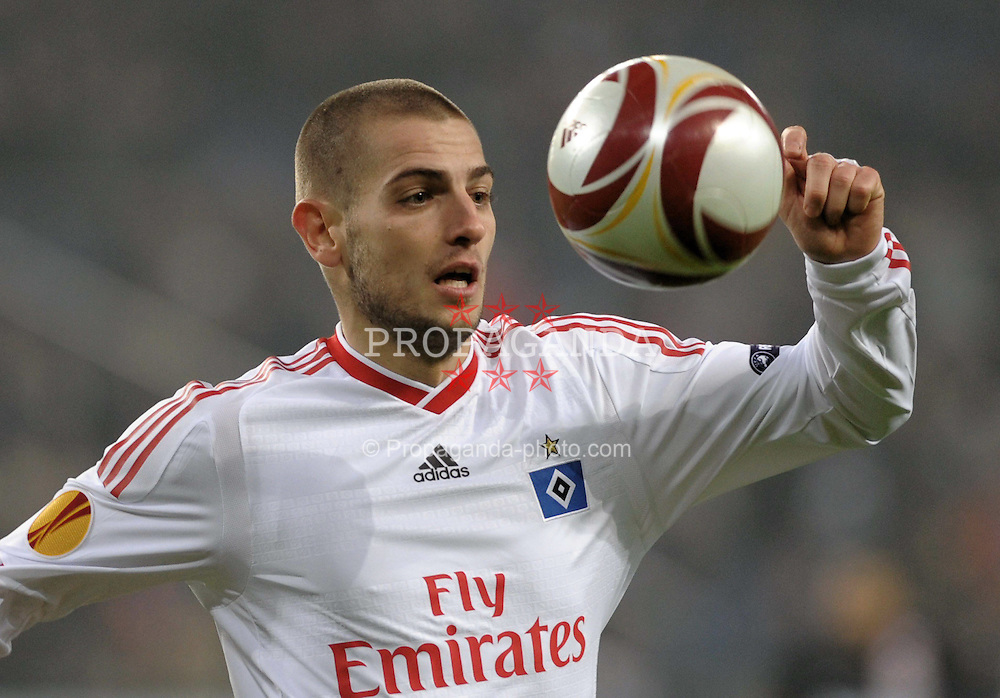 18.02.2010, HSH Nordbank Arena, Hamburg, GER, UEFA EL, Hamburger SV vs PSV Eindhoven, im Bild Einzelaktion Mladen Petric (Hamburg #10), EXPA Pictures © 2010 for Austria only, Photographer EXPA / NPH / Witke