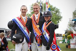 Prijsuitreiking Young Riders<br /> Nederlands Kampioenschap CH Mierlo 2010<br /> © Hippo Foto - Leanjo de Koster