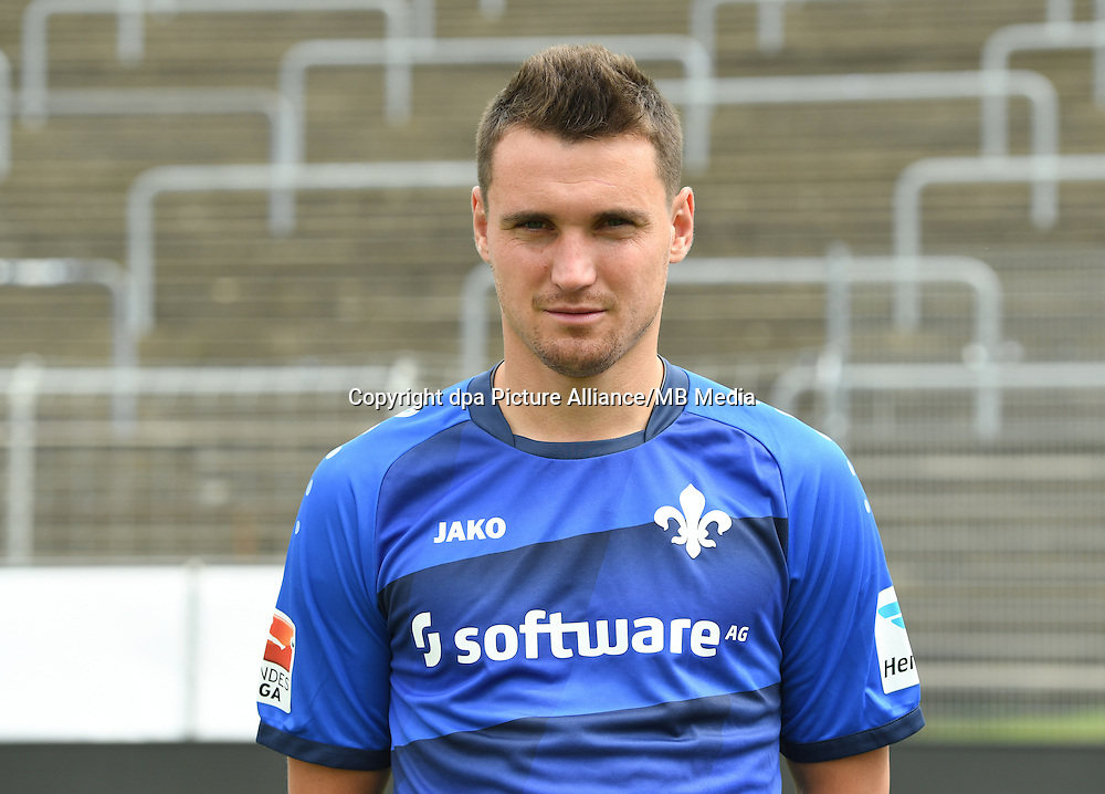 German Bundesliga - Season 2016/17 - Photocall SV Darmstadt 98 on 11 August 2016 in Darmstadt, Germany: Denys Oliynyk. Photo: Arne Dedert/dpa | usage worldwide