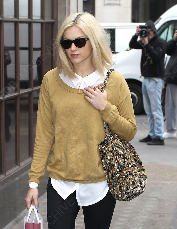 14.MARCH.2012. LONDON<br /> <br /> FEARNE COTTON ARRIVING TO WORK AT THE RADIO 1 STUDIOS IN LONDON<br /> <br /> BYLINE: EDBIMAGEARCHIVE.COM<br /> <br /> *THIS IMAGE IS STRICTLY FOR UK NEWSPAPERS AND MAGAZINES ONLY*<br /> *FOR WORLD WIDE SALES AND WEB USE PLEASE CONTACT EDBIMAGEARCHIVE - 0208 954 5968*