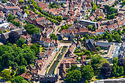 Nederland, Utrecht, Amersfoort, 29-05-2019; overzicht van binnenstad Amersfoort, Koppelpoort aan het Grote Spui / Kleine Spui.<br /> Overview of city center Amersfoort with historical city gate.<br /> luchtfoto (toeslag op standard tarieven);<br /> aerial photo (additional fee required);<br /> copyright foto/photo Siebe Swart