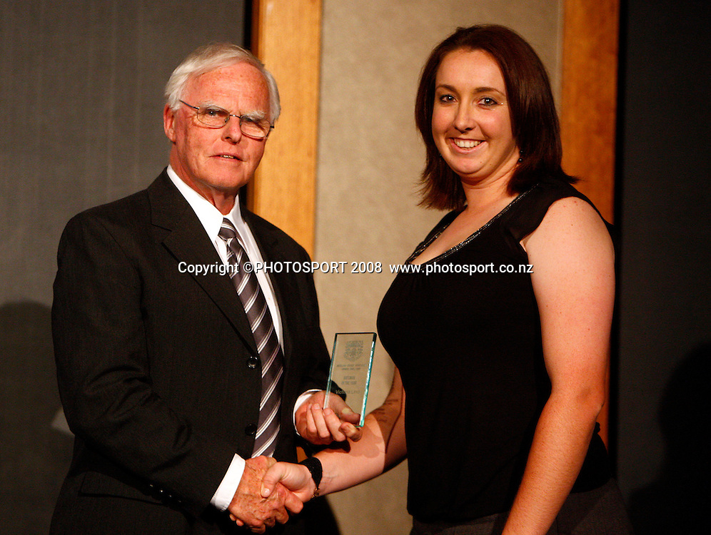 Batsman of the Year (Women) Victoria Lind presented by ACA President John Sparling. Auckland Cricket Awards Evening. Eden Park, Auckland, New Zealand. Wednesday 15 April 2009. Photo: Simon Watts/PHOTOSPORT