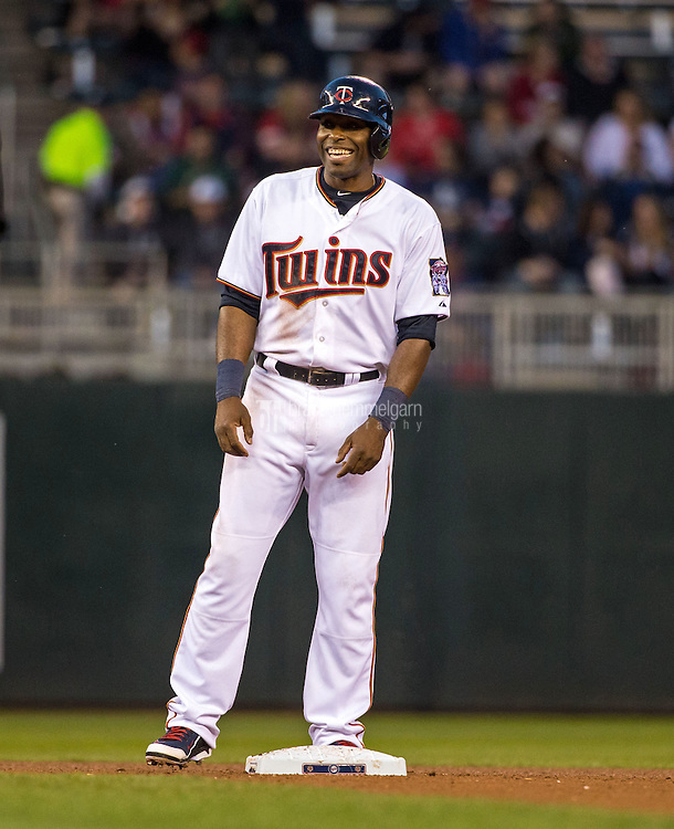 MINNEAPOLIS, MN- MAY 01: Torii Hunter #48 of the Minnesota Twins laughs against the Chicago White Sox on May 1, 2015 at Target Field in Minneapolis, Minnesota. The Twins defeated the White Sox 1-0. (Photo by Brace Hemmelgarn) *** Local Caption *** Torii Hunter