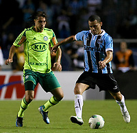 20120527: PORTO ALEGRE, RS, BRAZIL -Player Henrique  of  S.E. Palmeiras and Leo Gago of Gremio during Palmeiras Vs Gremio FPA team match for Brazilian Championship. <br />