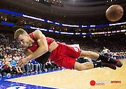 Mar 27, 2015; Philadelphia, PA, USA; Los Angeles Clippers forward Blake Griffin (32) dives to save the ball against the Philadelphia 76ers during the second quarter at Wells Fargo Center. Mandatory Credit: Bill Streicher-USA TODAY Sports