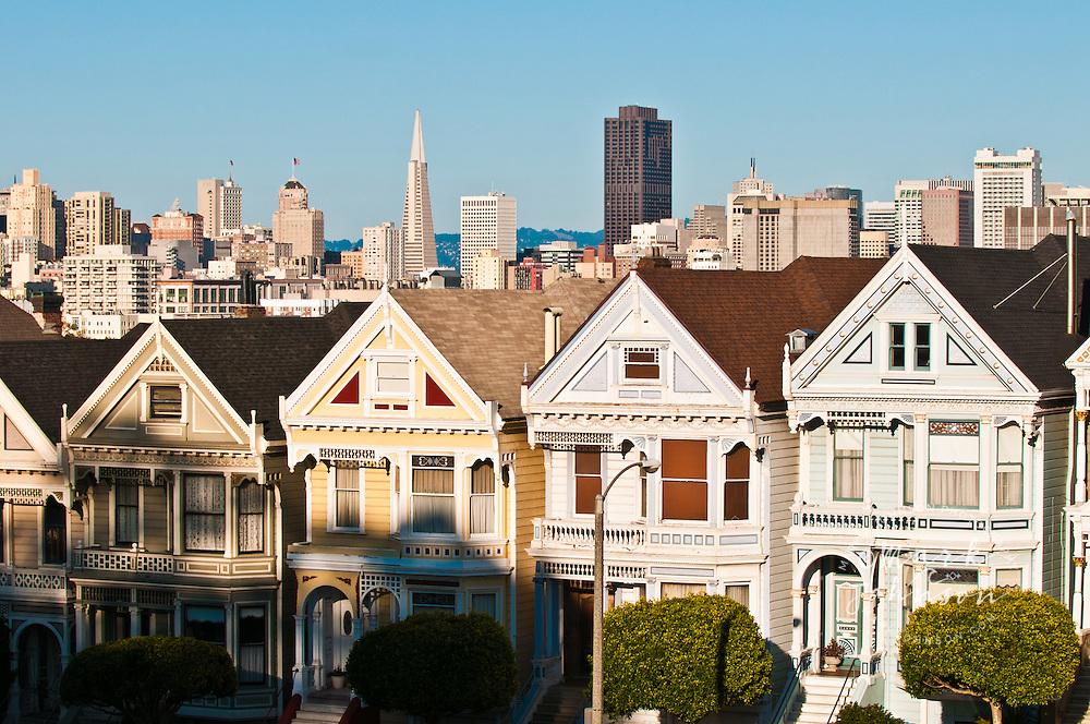 Alamo Square & San Francisco city skyline, San Francisco, California, USA