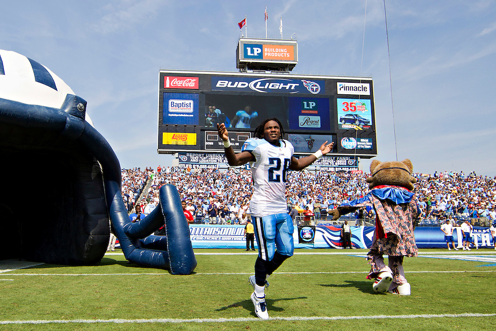 NASHVILLE, TN - SEPTEMBER 18:   Chris Johnson #28 of the Tennessee Titans runs onto the field before a game against the Baltimore Ravens at LP Field on September 18, 2011 in Nashville, Tennessee.  The Titans defeated the Ravens 26 to 13.  (Photo by Wesley Hitt/Getty Images) *** Local Caption *** Chris Johnson