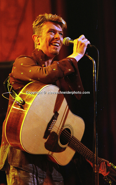 Davie Bowie plays at Seattle's Paramount Theatre on 9/7/1997