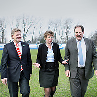 Nederland, Velsen ,17 februari 2011..Lijsttrekkers van Noord Holland  v.l.n.r. Jaap Bond van CDA, Elisabeth Post van VVD en Tjeerd Talsma van PvdA.Foto:Jean-Pierre Jans