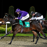 Gracious George and Jim Crowley winning the 4.50 race