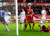 Fotball, Tippeligaen, 29 august 2005, Brann - Fredrikstad, resultat 4-0, Paul Scharner har nettopp satt inn 4-0 målet til Brann. Foto: Kjetil Espetvedt, Digitalsport.