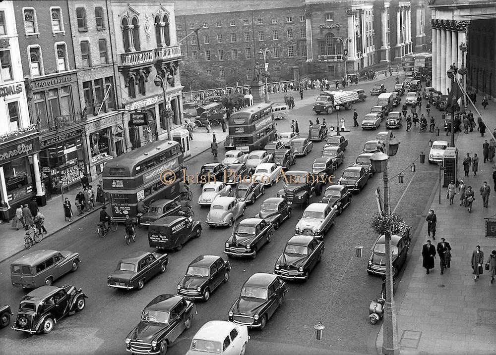 27/05/1955<br /> 05/27/1955<br /> 27 May 1955<br /> Traffic scenes on Westmoreland Street, Dublin.