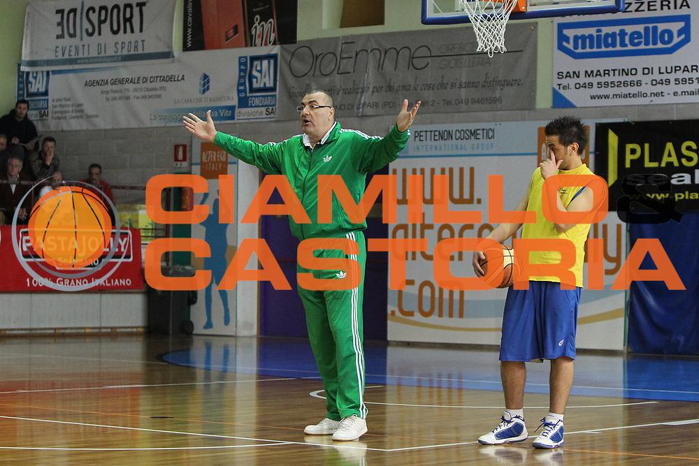 DESCRIZIONE : San Martino di Lupari Padova 4 Torneo Internazionale Lega A 2010-11 <br /> GIOCATORE : Jasmin Repesa Coach <br /> SQUADRA : Benetton Treviso <br /> EVENTO :  Torneo Triangolare<br /> GARA : Clinic Internazionale CNA Padova<br /> DATA : 12/02/2011<br /> CATEGORIA :  Ritratto<br /> SPORT : Pallacanestro <br /> AUTORE : Agenzia Ciamillo-Castoria/G.Contessa<br /> Galleria : Lega Basket A 2010-2011 <br /> Fotonotizia : San Martino di Lupari Padova 4 Torneo Internazionale Lega A 2010-11 <br /> Predefinita :