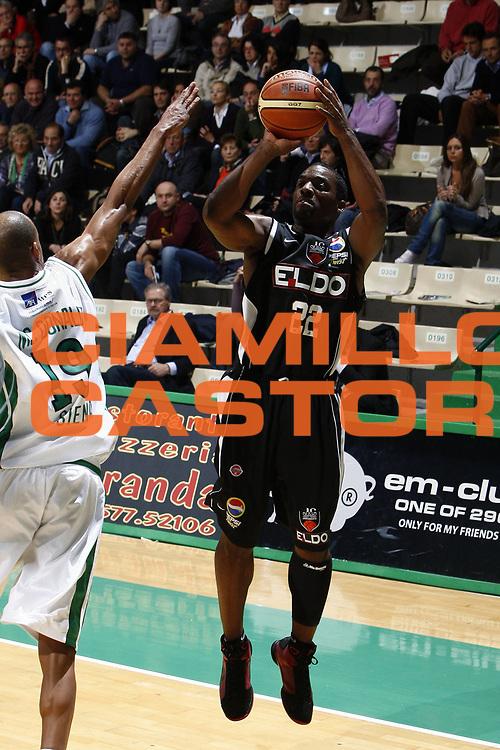 DESCRIZIONE : Siena Lega A 2008-09 Montepaschi Siena Eldo Caserta<br /> GIOCATORE : Brent Darby<br /> SQUADRA : Eldo Caserta<br /> EVENTO : Campionato Lega A 2008-2009 <br /> GARA : Montepaschi Siena Eldo Caserta<br /> DATA : 19/04/2009<br /> CATEGORIA : tiro<br /> SPORT : Pallacanestro <br /> AUTORE : Agenzia Ciamillo-Castoria/E.Castoria<br /> Galleria : Lega Basket A1 2008-2009<br /> Fotonotizia : Siena Campionato Italiano Lega A 2008-2009 Montepaschi Siena Eldo Caserta<br /> Predefinita :