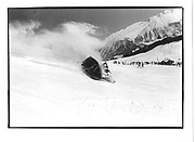 Mike Fitzroy Lord Xan Rufus Isaacs. Graham Chapman in crashing Gondola. D.S.C. St. Moritz. 1985© Copyright Photograph by Dafydd Jones 66 Stockwell Park Rd. London SW9 0DA Tel 020 7733 0108 www.dafjones.com