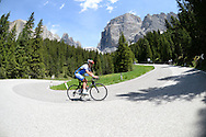 Il Ct della Nazionale Italiana di ciclismo per professionisti Davide Cassani, in ritiro sul passo Pordoi, valle di Fassa 21 giugno 2014 © foto Daniele Mosna