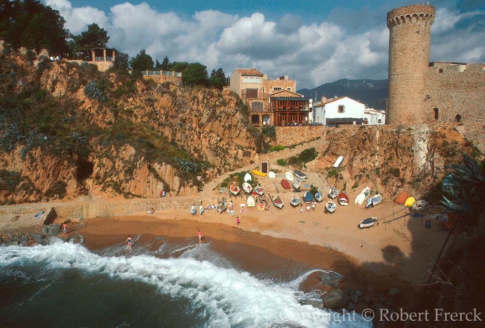 SPAIN, COSTA BRAVA Tossa del Mar; medieval town