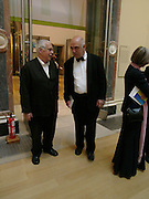 Sir Howard Hodgkin and  James Fenton. Royal Academy Annual dinner to celebrate the opening of the Summer exhibition. Royal Academy. Piccadilly. London. 1 June 2005.  ONE TIME USE ONLY - DO NOT ARCHIVE  © Copyright Photograph by Dafydd Jones 66 Stockwell Park Rd. London SW9 0DA Tel 020 7733 0108 www.dafjones.com